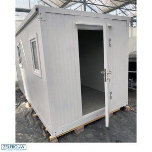 demontabele kantoorunit wit van kleur gekleurd in RAL opengeslagen deur