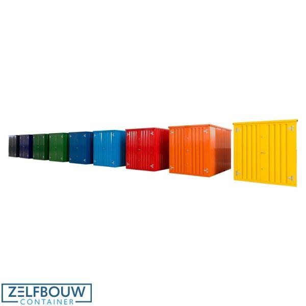 Gekleurde demontabele containers op een rij in de showroom van Zelfbouwcontainer Nederland