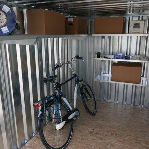 Materiaalcontainer 3x3 meter stellingen van zelfbouw