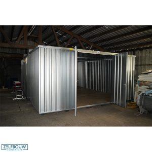 5 x 6 grote opslagcontainer combinatie container in een schuur