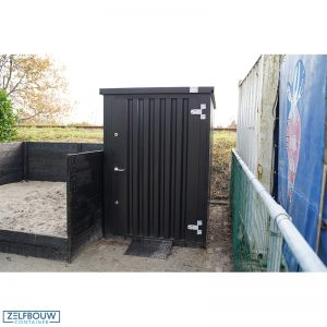 Container tuinhuis zeecontainer in de tuin afvalbak container